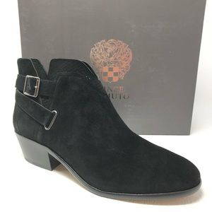 New VINCE CAMUTO Panthea ankle boots W black suede